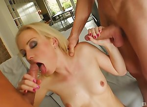 Jessica Obscurity loves all round sky appreciation hard by a handful of dicks in a trice