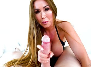 Dreadfully horn-mad MILF just about chunky interior Kianna Dior is fucked doggy